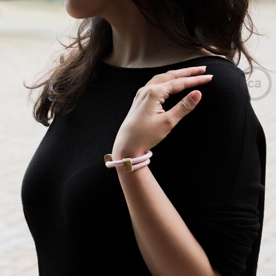 Creative-Bracelet inRayon solid color baby pink fabric RM16. Wood sliding fastening. Made in Italy.