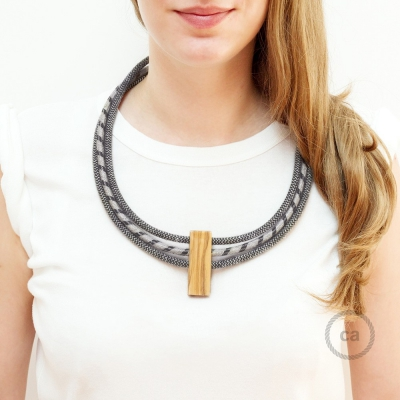 Circles Necklace colors: Anthracite and Natural Linen RD74 and Anthracite and Natural Linen RD54.