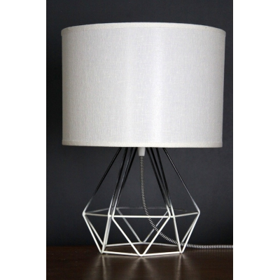 Empirical Style Table Light Black&White