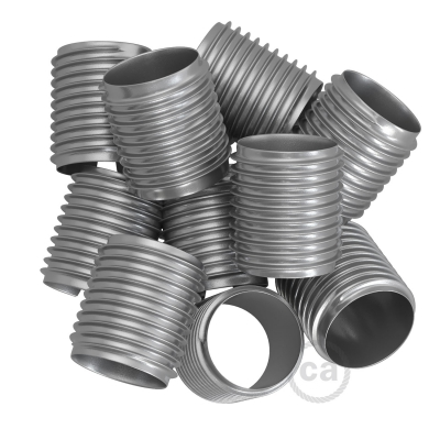 Threaded tubes each