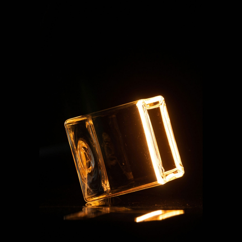 LED Cube Clear Floating Line 8W Dimmable 2200K bulb